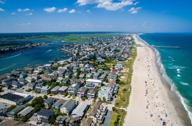 southeastern-nc-beaches_wrightsville-beach-aerial_a-favorite-of-river-bluffs_image